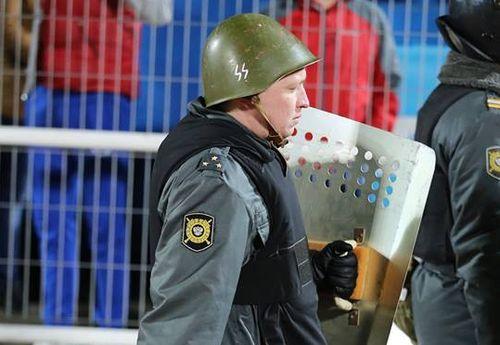 Полиция и СС