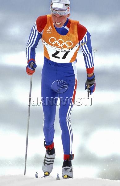 Михаил Иванов во время лыжной гонки на Олимпиаде в Солт-Лейк-Сити