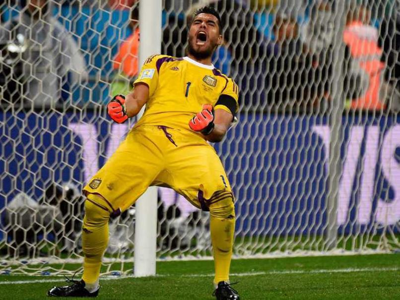 Чемпионат мира по футболу и реакция аргентинского вратаря после успешно взятого пенальти